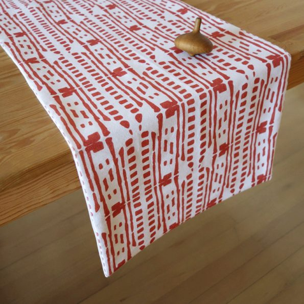red drops table runner